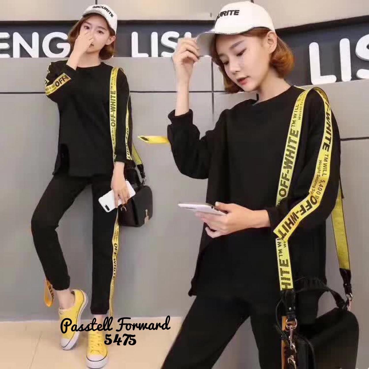 เสื้อผ้าเกาหลี พร้อมส่ง เสื้อแต่งแถบตัวอักษรเหลืองดำตัดกัน