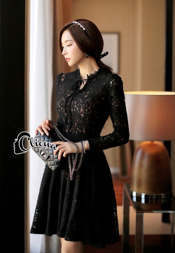 พร้อมส่ง Mini dress ลูกไม้แขนยาวสีดำ