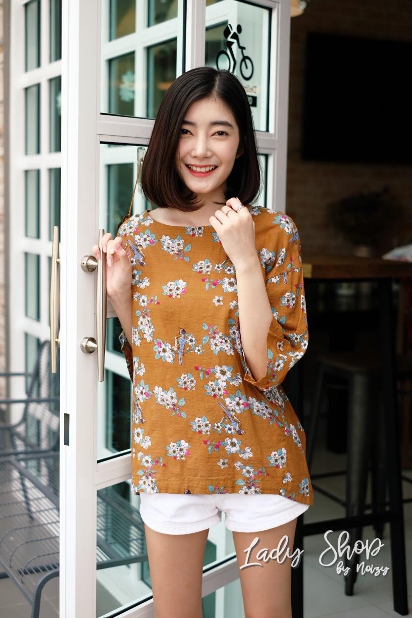 เสื้อเกาหลี พร้อมส่ง เสื้อญี่ปุ่น เนื้อนิ่มทอลายดอกวินเทจ