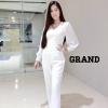 เสื้อผ้าเกาหลี พร้อมส่ง จั้มสูทสีขาว คอวี