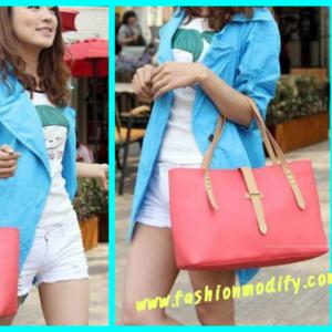 กระเป๋าหนังแฟชั่น สีสันลูกอม  ปิดด้วยสายคาดเข็มขัด